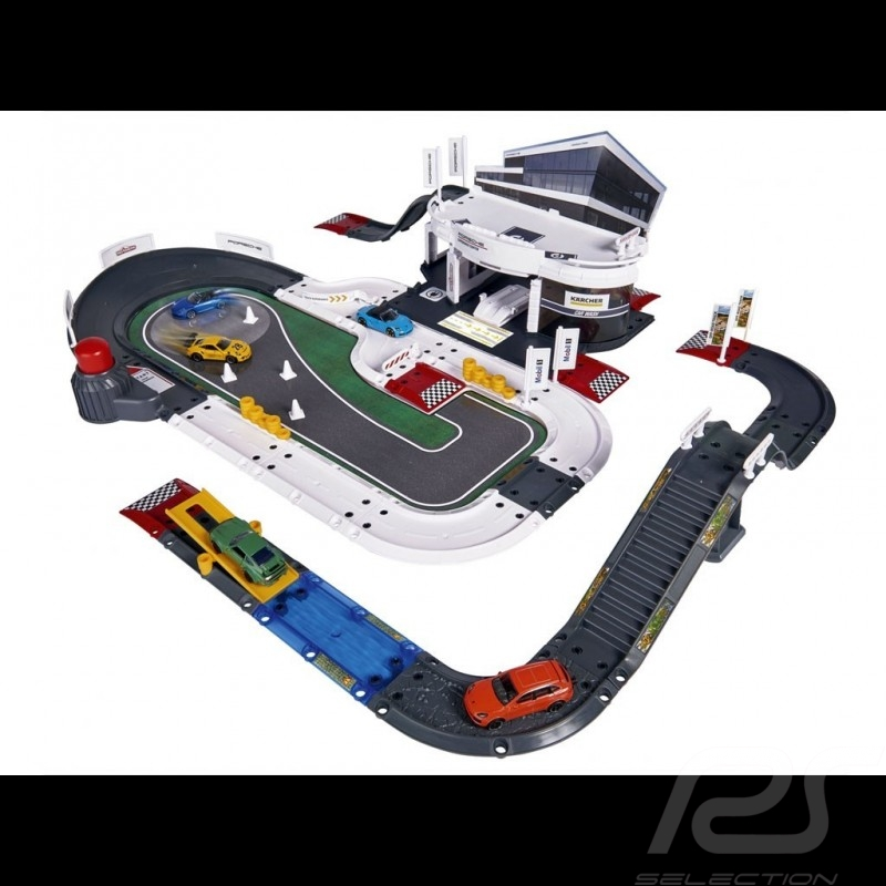 Porsche Experience Center Garage with 5 mini cars Majorette 212050029