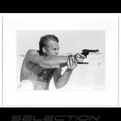 Luxusrahmen Wandkunst Steve McQueen Gun shooting 75 x 95 cm