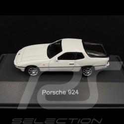 Porsche 924 white 1/87 Schuco 452629400