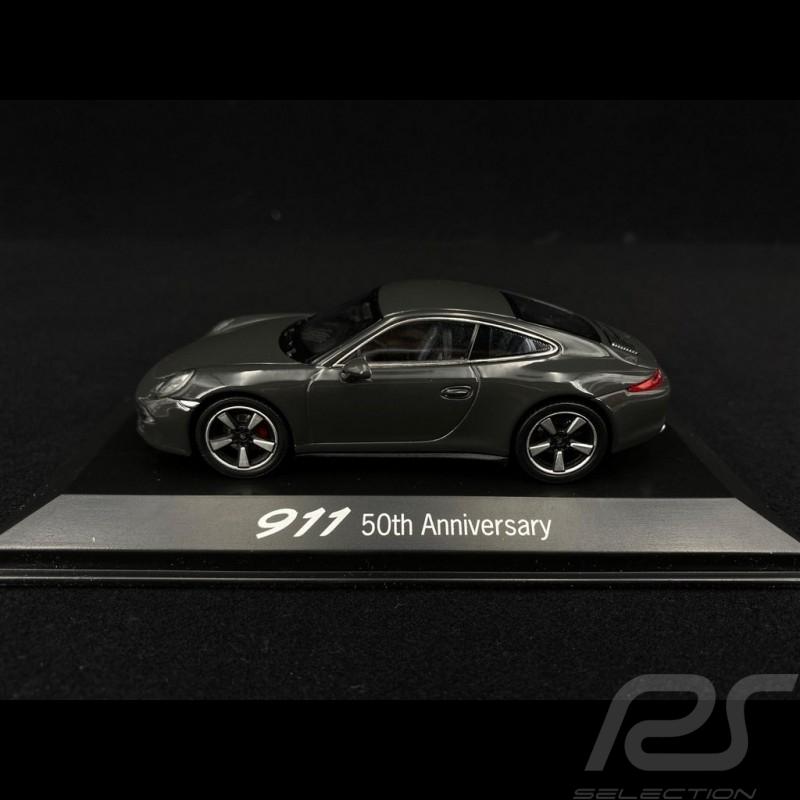 """Porsche 911 typ 991 """" 50 Jahre Jubiläum """" Schiefergrau 1/43 Welly MAP01999113"""