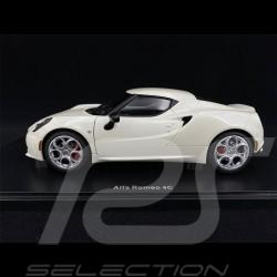 Alfa Romeo 4C 2013 Cream White 1/18 AutoArt 70188