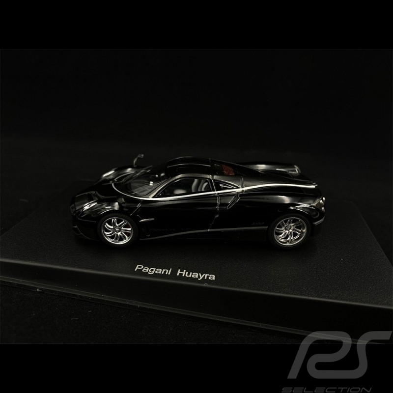 Pagani Huayra 2012 Black with Silver stripes 1/43 AutoArt 58209