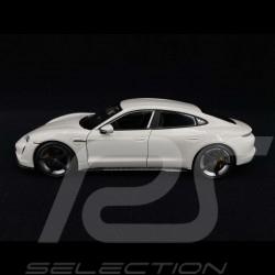 Porsche Taycan Turbo S 2019 Carrara white 1/24 Bburago 21098W