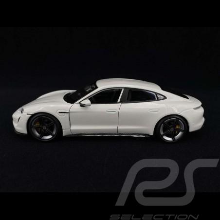 Porsche Taycan Turbo S 2019 Carraraweiß 1/24 Bburago 21098W